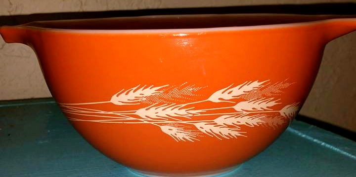 Vintage Pyrex Autumn Harvest Cinderella Bowl