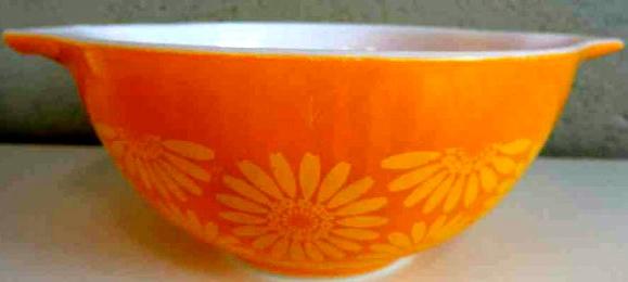 Vintage Pyrex Daisy Mixing Bowl