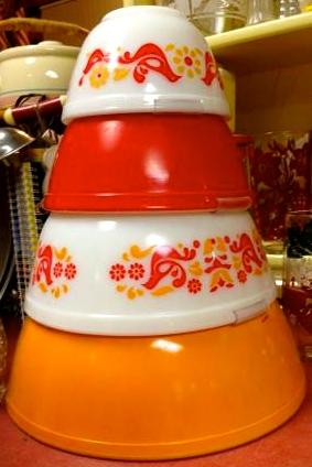 Vintage Pyrex Friendship Nesting Bowls