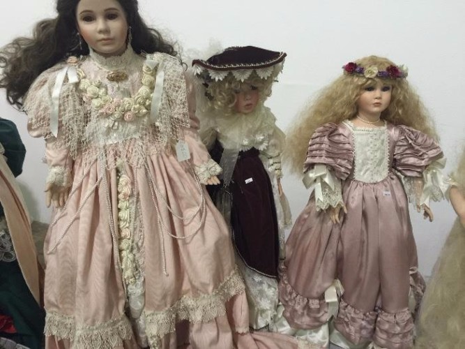 Creepy Victorian dolls