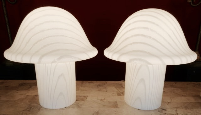 This pair of mushroom lamps is made out of what kind of Italian art glass?