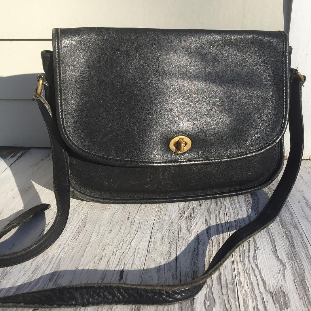 2039167a1a3c ... Vintage coach bag via  mesawarevintage on Instagram ...