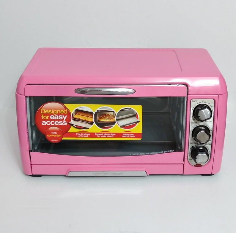 Pink Hamilton Beach toaster oven.