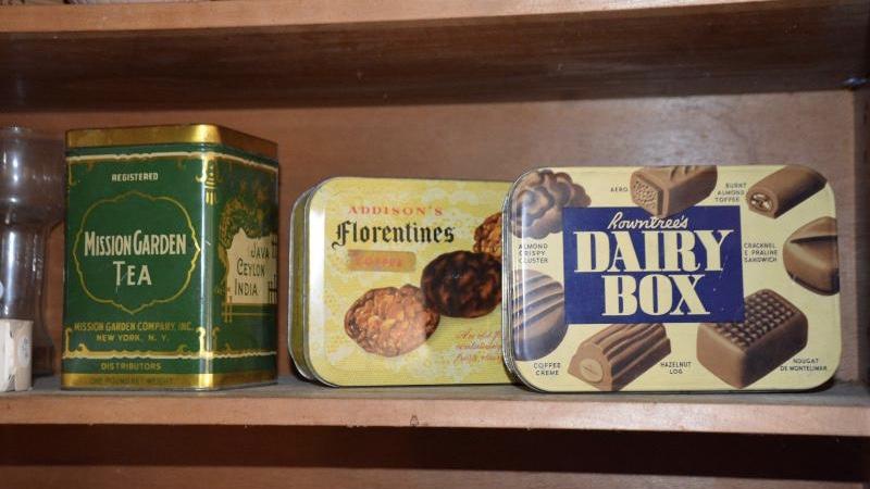 vintage tin boxes