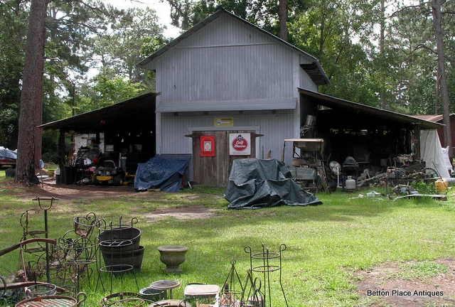 Picker estate sale in a barn